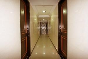 hotel-solitaire-corridor